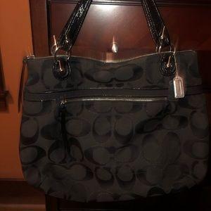 Black coach large arm hand bag laptop leather